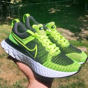 New women's Nike Infinity Run react Flyknit 2
